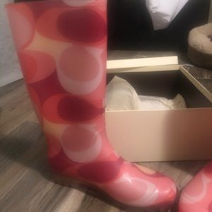 Coach Pixy Rain Boots in Coral Scarf Print- Sz 8M